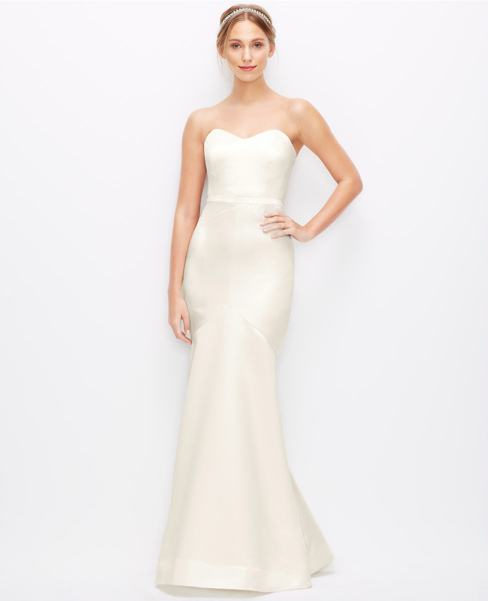 Petite Wedding Dresses: Petite Wedding Dresses: Say 'I Do' In Style -Bomb Petite