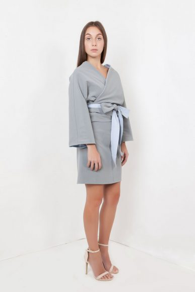 Petite Shikaku 4-way wrap top grey-blue by Narrow Arrow :: BombPetite.com